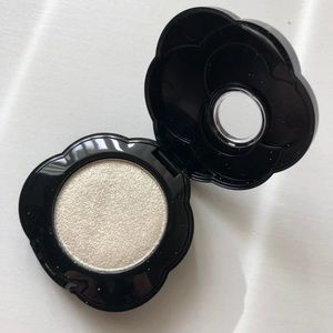 Too Faced Intense Eyeshadow: Frilly Lilly
